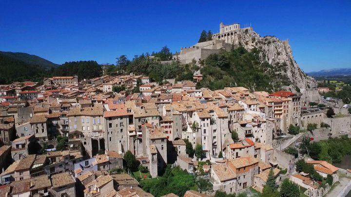 Sisteron_crédit UNESCO Géoparc de Haute-Provence_Julia Boutron